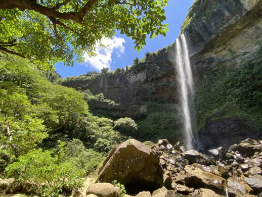 ピナイサーラの滝 滝下